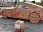 Китаец сложил BMW из кирпича