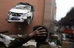 Китаец перепутал педали, проломил стену