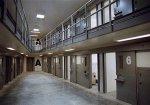 Заключенным принесли наркотики в книжке-раскраске