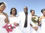 Многоженца выдали свадебные фотографии на Facebook