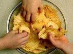 Картошка фри и чипсы помогут справиться со стрессом