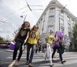 Поклонниц Джастина Бибера в Литве забросали яйцами