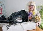 Женщина открыла магазин мёртвых цветов