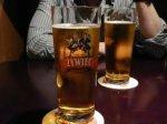 После ограбления преступник решил попить пивка в баре
