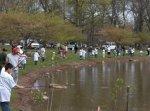 Канадцы устроили конкурс рыбаков на охраняемом озере