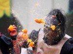 165 итальянцев пострадали в апельсиновой битве