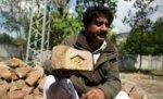 Пакистанец продаёт кирпичи укрытия Бин Ладена