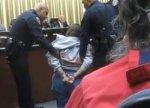 Женщина арестована за слишком долгую речь на заседании совета