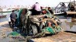 В Китае рыбаки поймали автомобиль