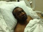 Полицейские выстрелили в мужчину, который рылся в автомобиле матери