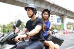 В Малайзии неженатым парам запретили ездить на мотоциклах
